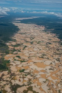Gold mines cut a swath through upper Amazonia. Photo credit: Rob Williams/Frankfurt Zoological Society