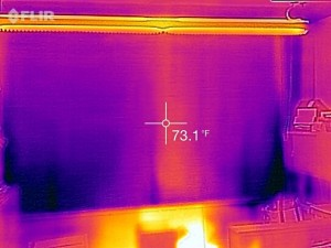 Kroon window's temperature reading with a thermal shade.