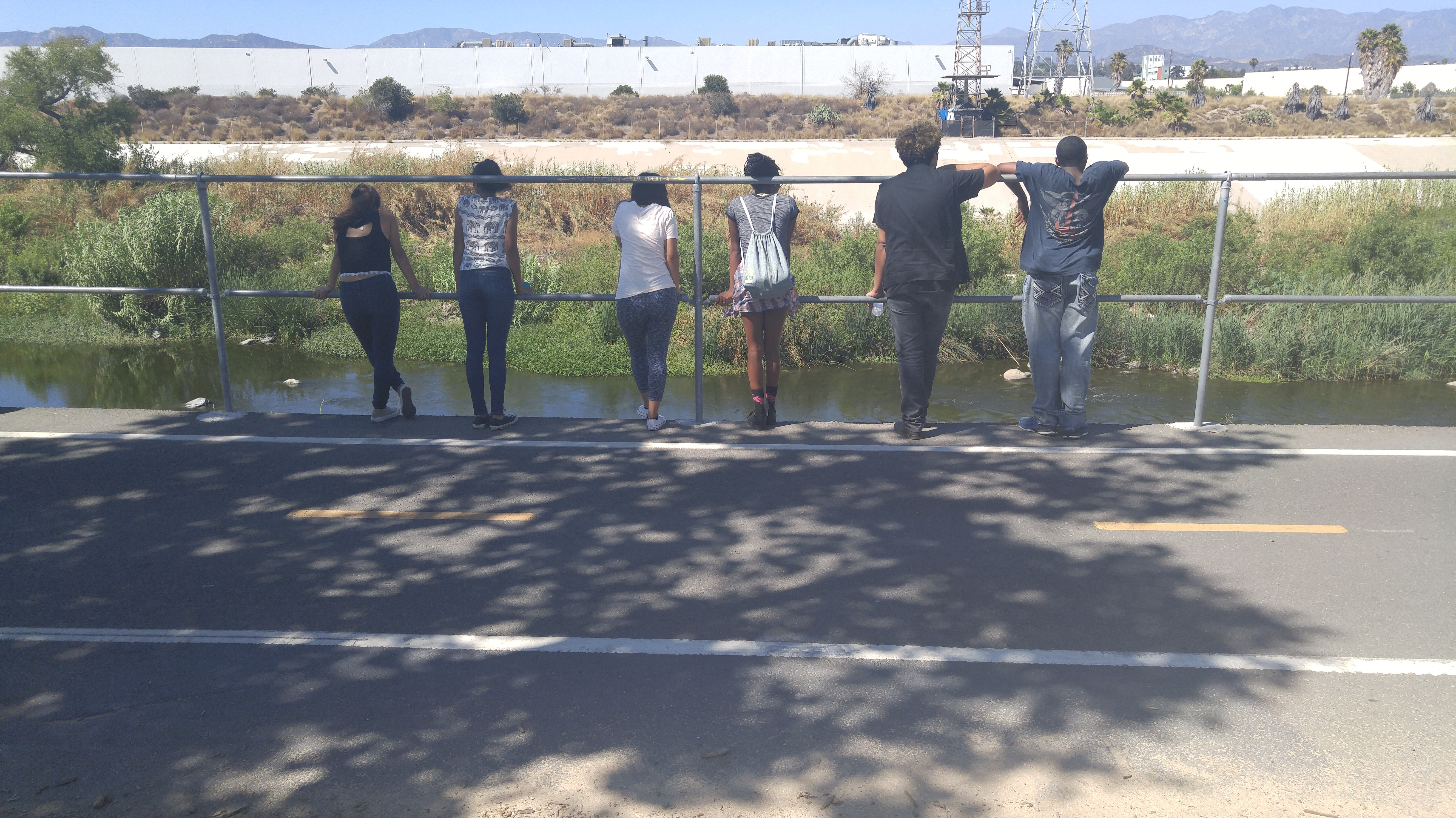 Participants observe waterfowl along the Los Angeles River. [Photo Credit: Yanin Kramsky]